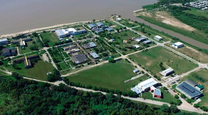 Fue inaugurada una nueva planta de producción biotecnológica en el Parque Tecnológico Litoral Centro, Predio CONICET