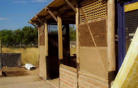Arquitectura para proteger la vida conicet for Arquitectura quechua