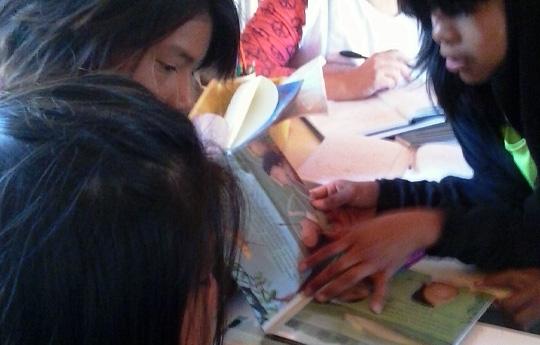 Niños Wichis aprendiendo.